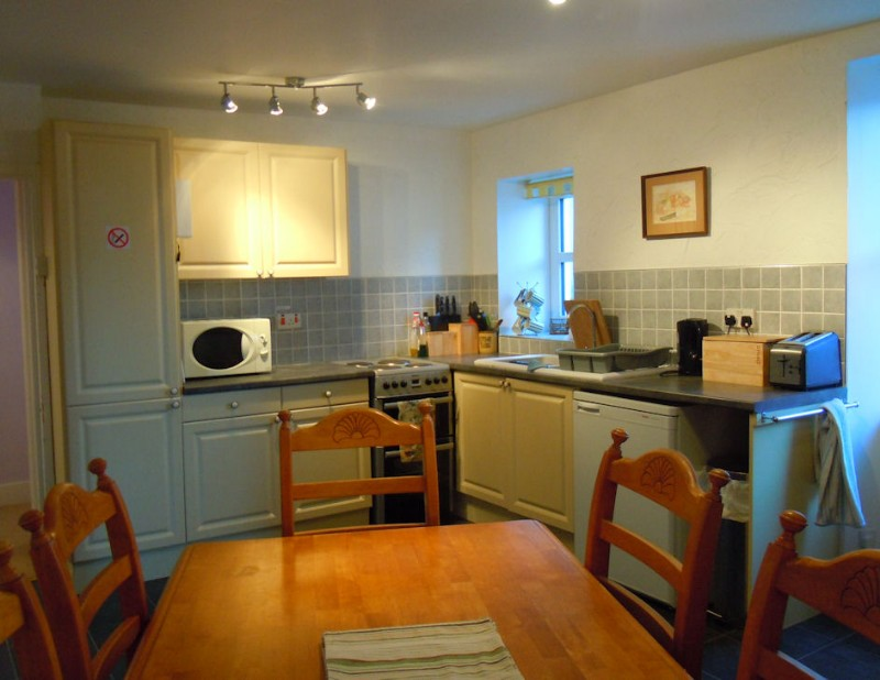2-dining-kitchen